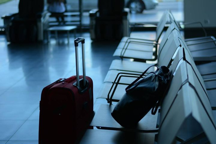 As new covid cases continue to mount and variants rise, business travel is seeing some hesitation, and the hotel market is at a pivotal point. - Image byStela DifromPixabay