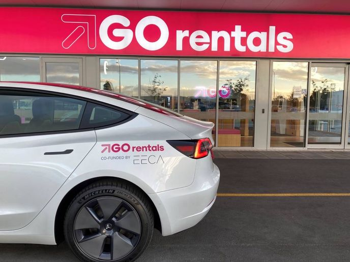 Through a partnership between GO Rentals and a New Zealand travel organization, customers can now do an eco tour on the island in a Tesla. - Photo: GORentals