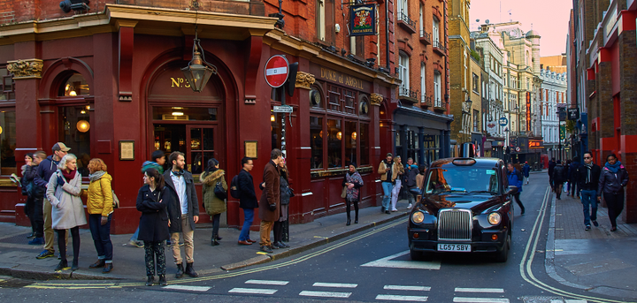 Transport for London argued that Uber should receive a shorter license, with consideration of the company's resistance to regulation during its initial years of operation. - Photo via Pedro Szekely/Flickr.