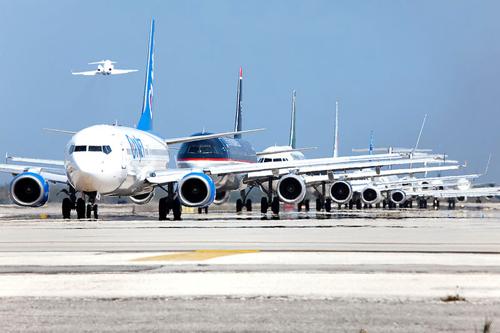 Collectively, JetBlue, Southwest, and Spirit Airlines combined operate two-thirds of total capacity at Fort Lauderdale Airport, each with roughly similar market share.  - Photo via Maarten Visser/Wikimedia.
