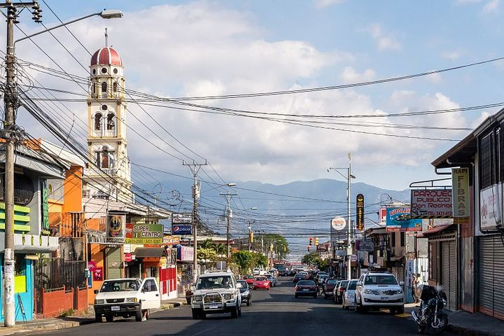 Like much of Latin America, Costa Rica is an ideal setting for the Kinto service, as it boasts high mobile phone adoption and concern for environmental sustainability, while also facing significant congestion and other mobility challenges. - Photo viadconvertini/Flickr.