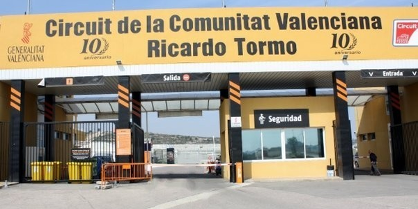 The CEO of Drivalia, Martin Hall, attended a meeting at the Circuit Ricardo Tormo in Valencia to...