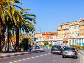 Hertz Europe Launches Exclusive French AV Tours