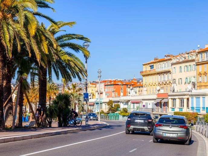Hertz's Voyage à la Française is currently available from the company's branch at Nice Airport, with an expansion to more locations across the French Riviera taking place in October. - Photo via Depositphotos.