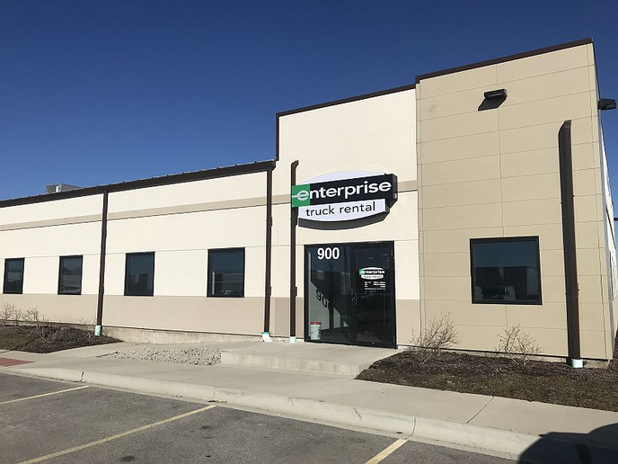 The East Dundee Enterprise Truck Rental location provides access to a wide range of cargo vans, box trucks and tow-capable pickup trucks for both business and personal use.