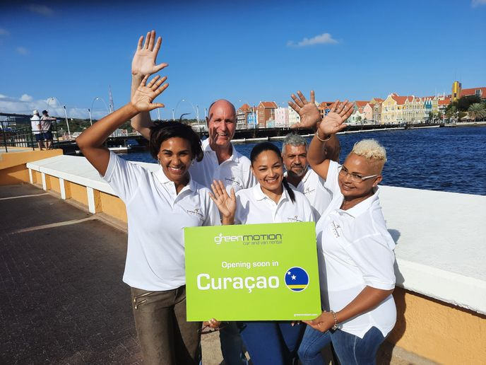 Team Green Motion Curaçao,left to right:Dionne Jakoba, Rick Hart,Lynette Bernadina,Guillermo Moncalves,andDeedee Seintje. - Photo courtesy of Green Motion.