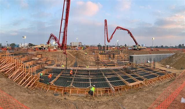 Construction of underground pedestrian corridors, mainly for emergency egress, is also underway and the first tower cranes will soon arrive on site. - Photo via LAWA.