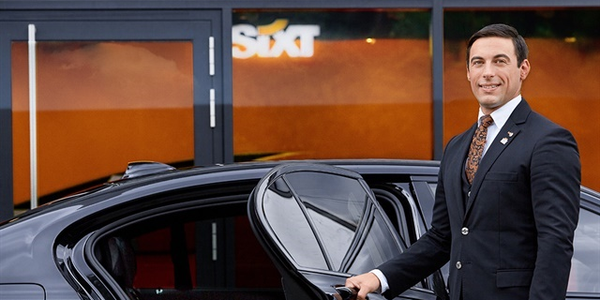 Jamie Millard, social media manager at Sixt in the U.K., presented Sixt's global strategy for...