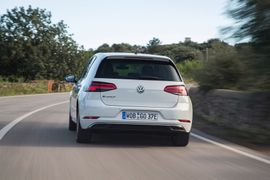 Volkswagen, Uber Launch EV Pilot in Berlin