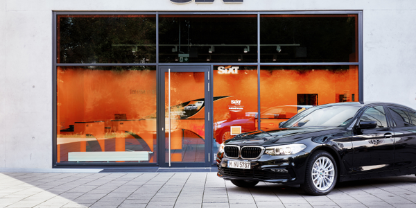 Sixt and BMW are continuing their long-standing partnership with the joint offer in...