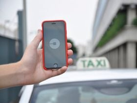 LAX to Prohibit Ride-Hailing, Taxi Curbside Pickup