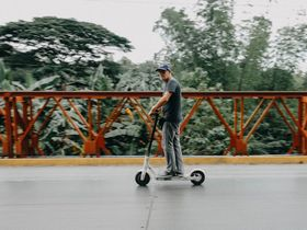 Sixt Adds Scooters to App Offerings