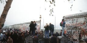 Sixt Share Offers Promotion to Celebrate Anniversary of Fall of Berlin Wall
