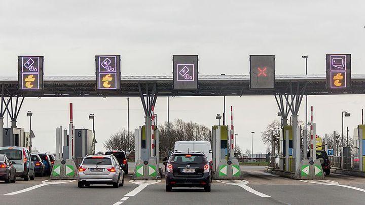 Easy Péage sera testé sur une cinquantaine de sites du réseau Rent A Car à travers la France.  - Photo via Raimond Spekking / Wikimedia.