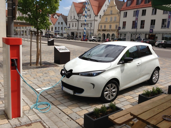 Meshek Energy will operate the charging stations, and residents will be able to rent the vehicles by hour and pay by distance traveled.  - Photo via Werner Hillebrand-Hansen/Wikimedia.