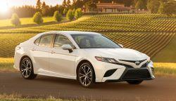 Toyota Camry -