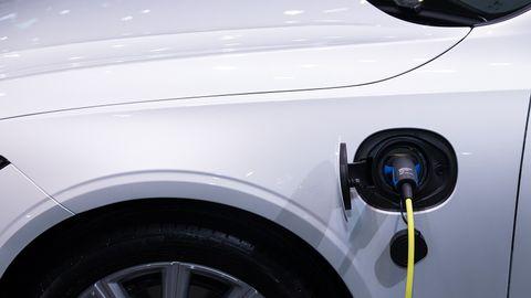 10 Solutions to Fleet EV Adoption