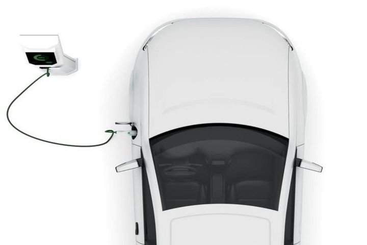 Sustainability and reduced emissions are among the top reasons companies implement EVs. - Photo viaistockphoto.com/3alexd