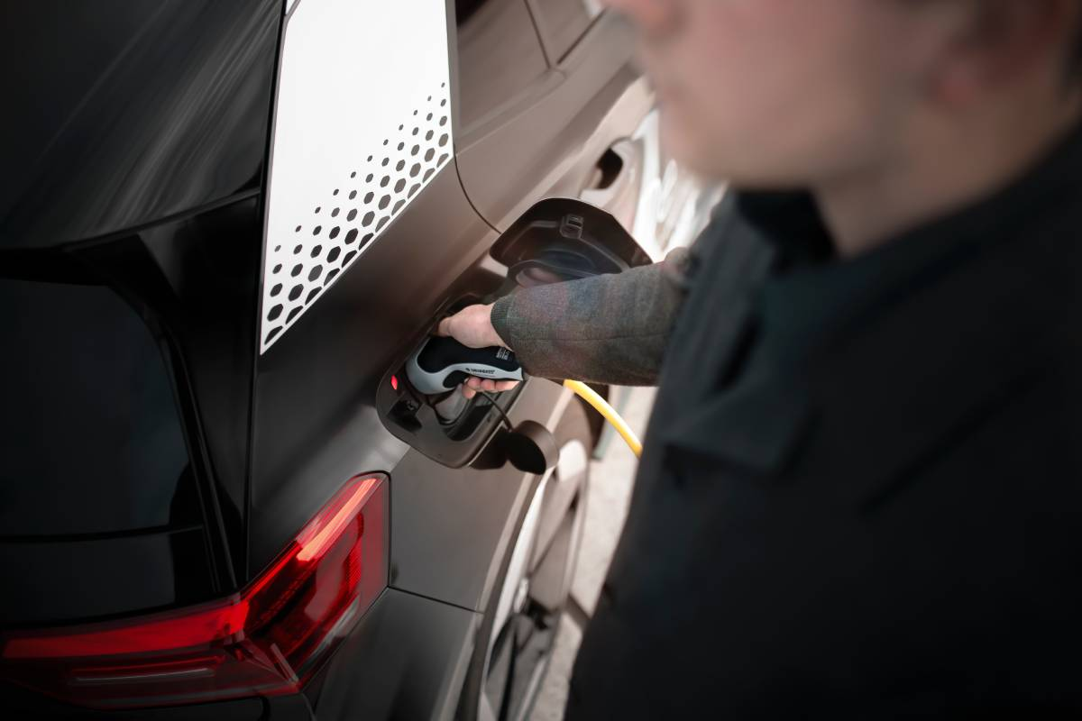 How to Educate Drivers on Electric Vehicle Safety