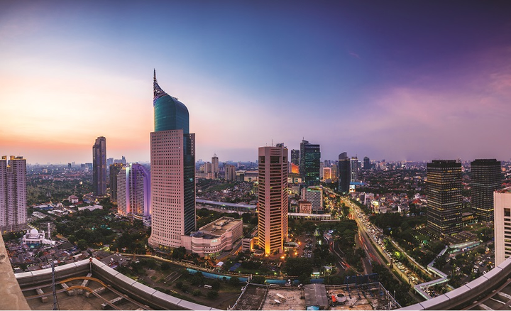 Indonesia's automobile manufacturer's association projects that car sales in the country will remain at 1.1 million units in 2019.  - Photo: ©istockphoto.com/ Jakarta Skyline
