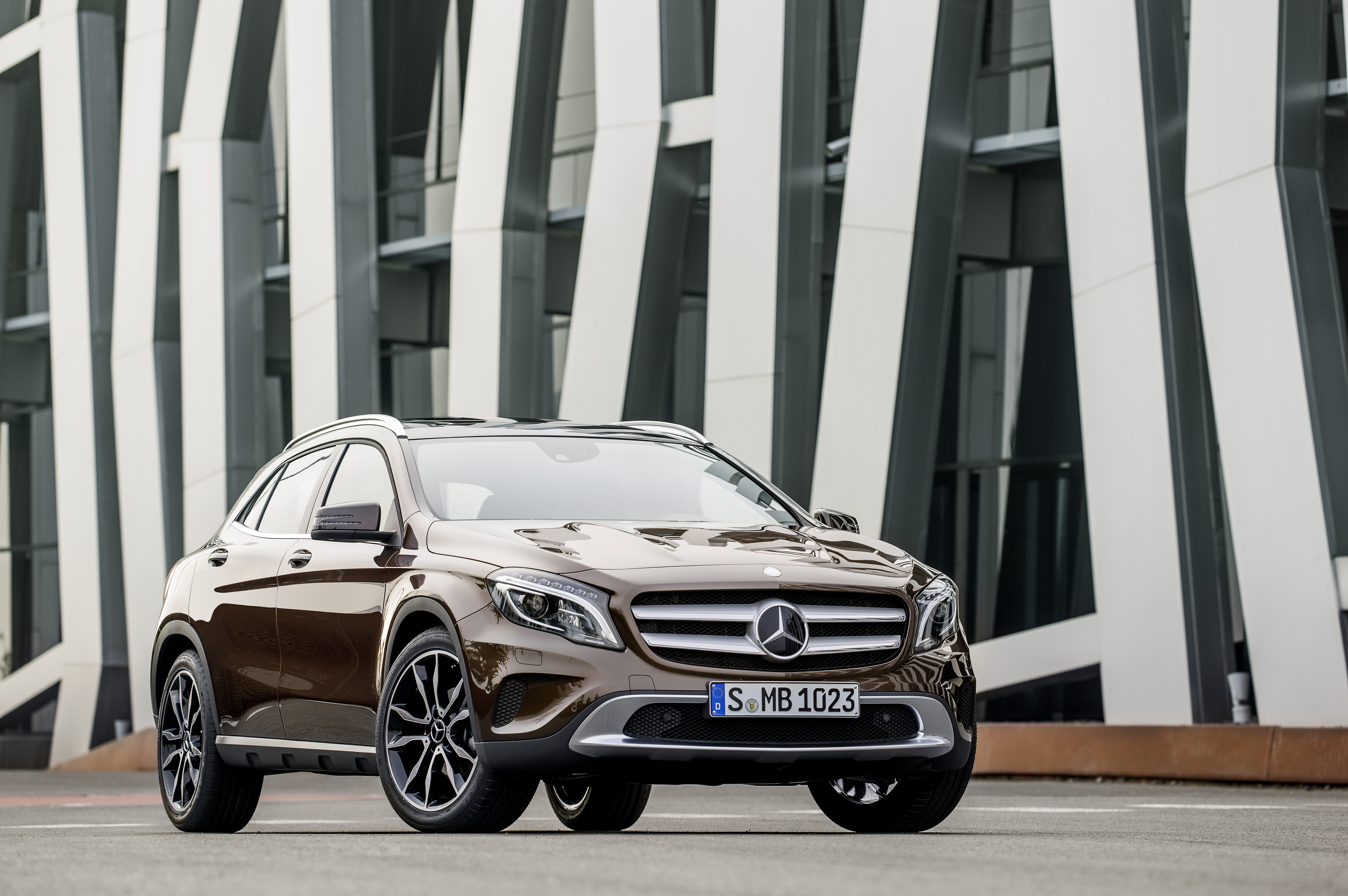 2015 Mercedes-Benz Vehicle Showcase