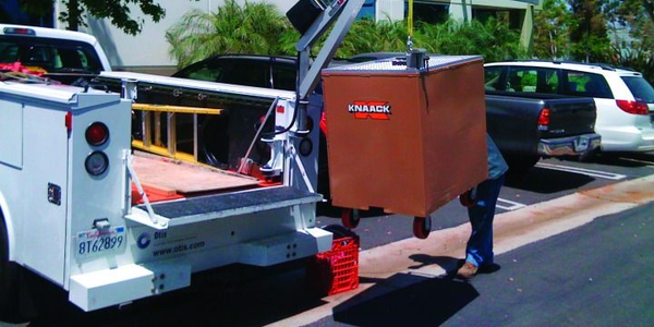 Spitzlifts are portable cranes that can be mounted on trucks and other fleet units. Weighing...