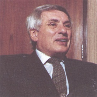 José Dedeurwaerder serves as president and chief executive officer of a American Motors Corporation. He joined the company in '81, after having worked with Renault for 25 years. Before crossing the Atlantic, he headed the successful launch of the Renault 9, which became the Alliance here. AF interviews him here.