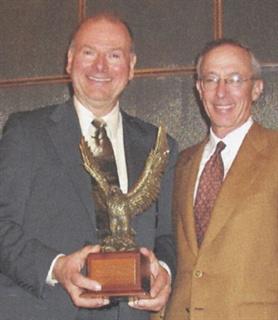 Paetzel (left) with Wheels president Jim Frank.