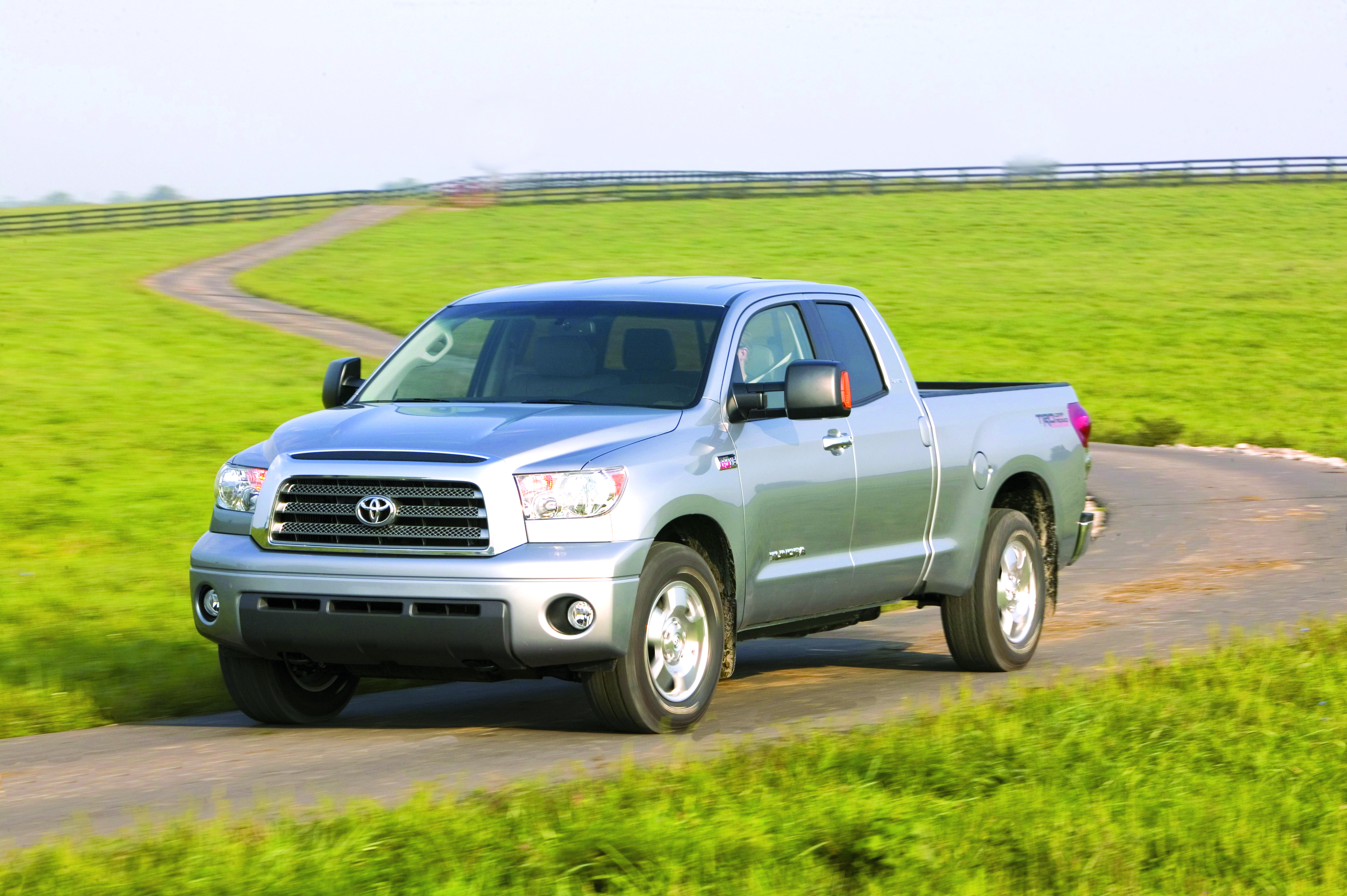 2007 Toyota Tundra Blends V-8 Power with Sport Styling
