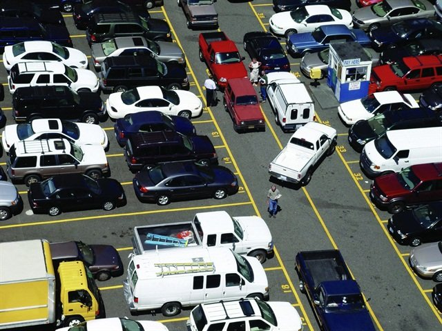 With 20 percent of fleet accidents occuring while parked or during parking, fleet managers must make drivers aware of potential hazards.