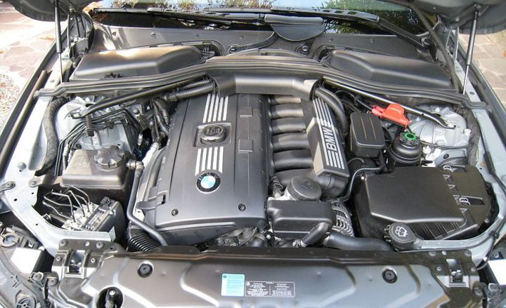 Replacing a fleet vehicle's engine can sometimes be more cost-effective that purchasing a new vehicle.  - Photo via E60 Forums/Wikimedia.