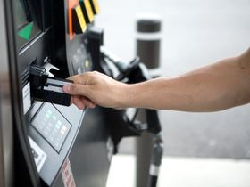 How to Find the Best Fleet Fuel Card