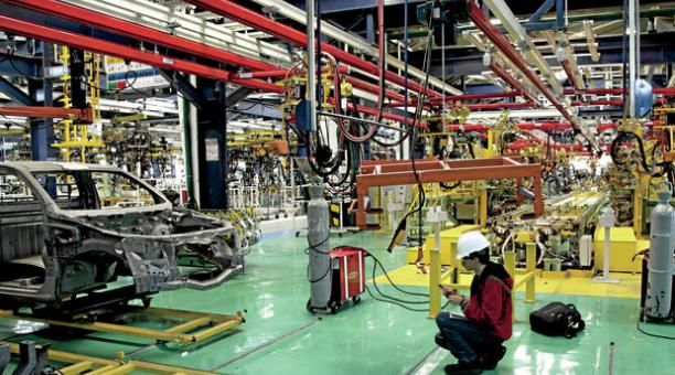 The GM OBB factory is located in the Metropolitan District of Ecuador's capital city, Quito. It is the largest automotive assembly and production plant in Ecuador. The complex includes engineering, welding, painting, assembly and quality controls. The 2018 Chevrolet Sail is assembled at the plant. Photo courtesy of GM.