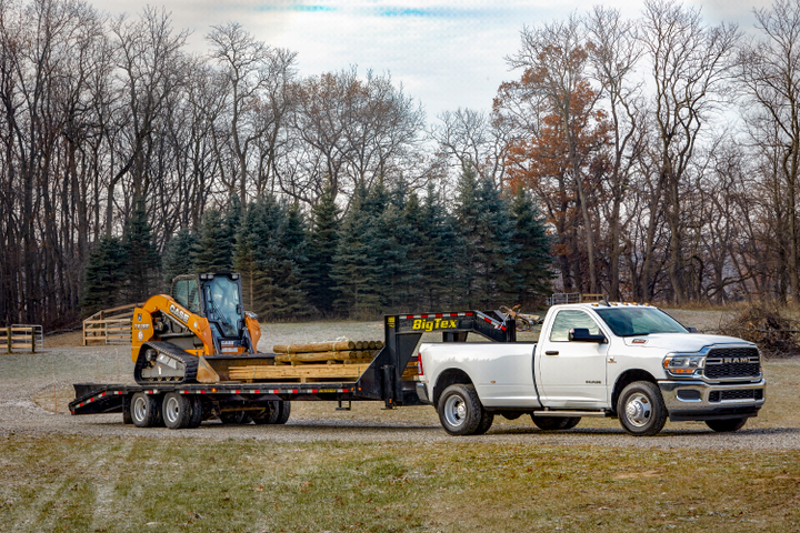 The Ram HD has taken towing capabilities to a new level with the ability to tow a maximum of 35,100 pounds. There is a new auxiliary exterior camera improves visibility with custom positioning in and behind trailers.