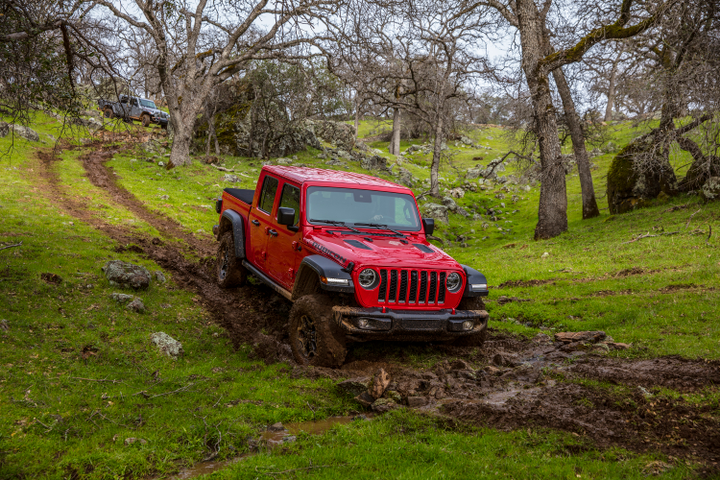 The 2020 Jeep Gladiator is a 4x4 midsize pickup truck available in a soft top and two hardtop configurations. It is ideal for fleet applications requiring off-road capabilities.