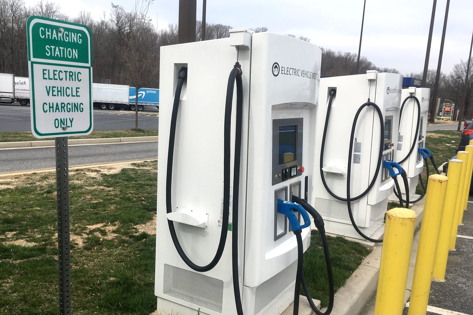 Automakers Become Service Providers to Fleet EVs