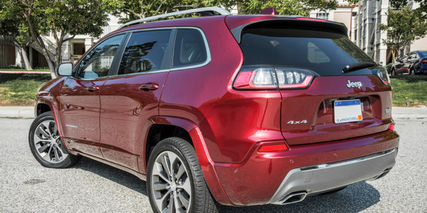 The 2019 Jeep Cherokee adds a tourbocharged four-cylinder engine to its engine lineup.