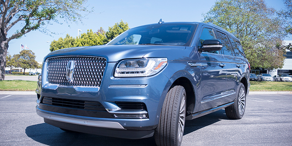 Photo of 2018 Lincoln Navigator exterior by Vince Taroc.