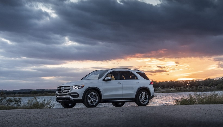 The GLE 350 is also available with a 4Matic system, which, when added, bumps pricing up to $57,195, according to Mercedes-Benz. Aforementioned pricing includes destination and delivery fees. The GLE 350 is available with a 2.0L inline-4 turbo engine, while the 450 SUV offers a 3.0L inline-6 turbo engine with EQ boost.