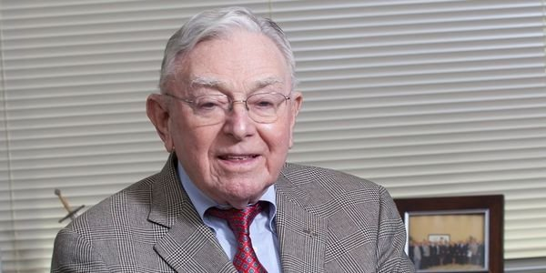 Joseph Holman, chairman emeritus of Holman Enterprises and a fleet leasing pioneer, has died.