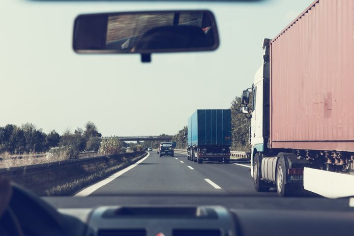 A recent study on the perceptions of driver safety found less than half of respondents consider commercial drivers who transport goods to be safe drivers. - Photo: Pixabay