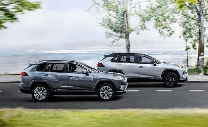 The 2021 RAV4 (pictured) will be offered with a $1,000 fleet incentive. - Photo: Toyota
