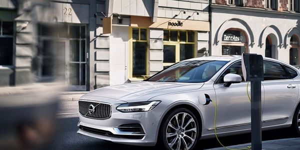 The 2020 Volvo S90 luxury plug-in hybrid EV has earned several top accolades from a new resource...