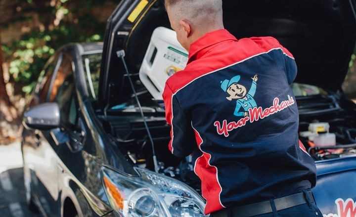 Using LeasePlan's new solution, powered by YourMechanic, customers can tap into more than 600 automotive repair services. - Photo: YourMechanic