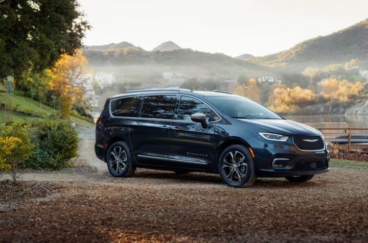 Pricing for the 2021 Chrysler Pacifica has been revealed and starts at a $35,045 MSRP for the Touring base trim and is $38,040 when included with AWD and $39,995 as hybrid. - Photo: FCA