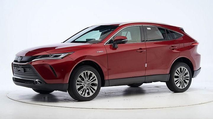 The 2021 Toyota Venza - Photo: IIHS