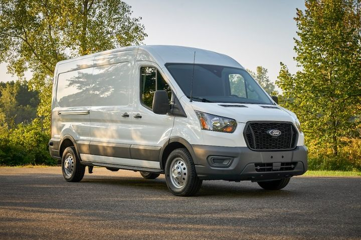 The new Parcel Delivery Package includes a number of design refinements standard for the 2021 Transit that provide improved access to the cargo compartment.