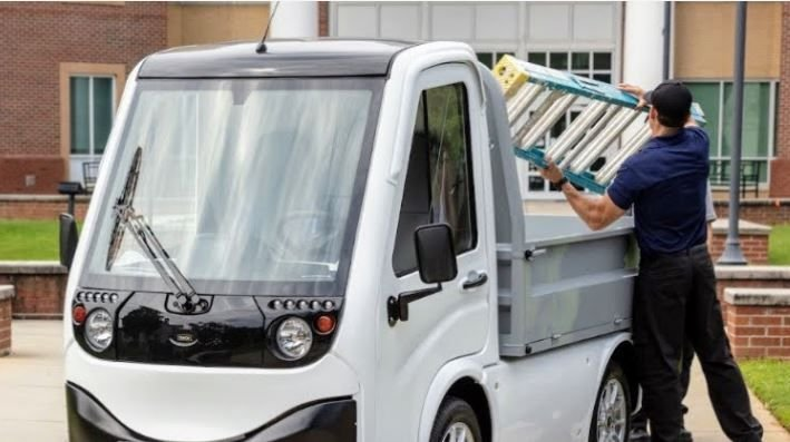 Ayro, Inc. announced an agreement with Element Fleet Management, in which the FMC will support the deployment of large fleets of Ayro electric delivery vehicles over the next four years. - Photo: AYRO