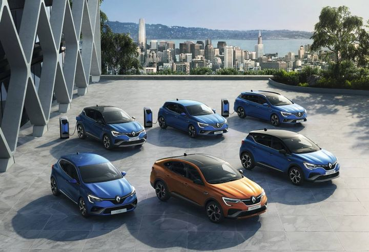 Renault's E-Tech hybrid technology combines two electric motors, a dog clutch gearbox and a combustion engine. The E-Tech plug-in hybridbattery offers an increased capacity for daily driving use. - Photo: Renault
