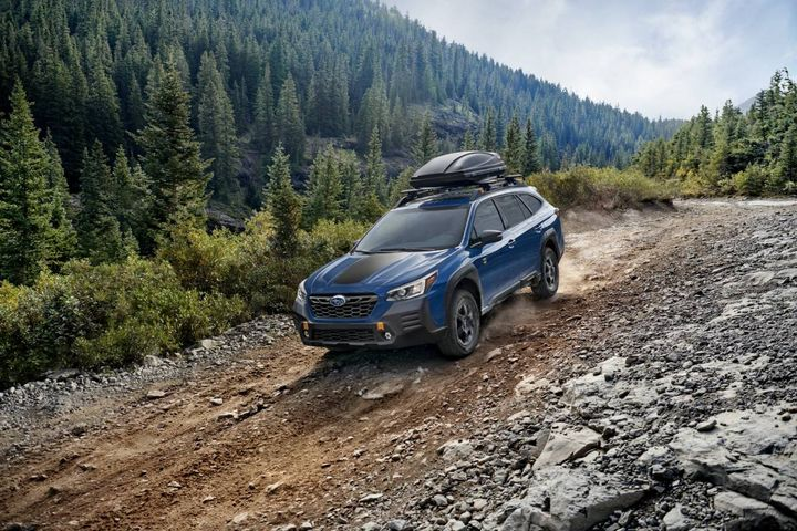 The Outback Wilderness offers many features geared toward adventurers like a fixed ladder-type roof rack, 700-pound static load limit, STARLINK In-Vehicle Technology, and a comfortable and durable interior. - Photo: Subaru